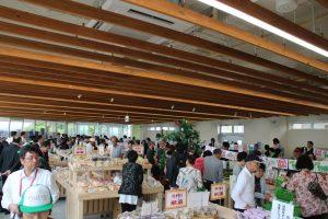 坂井市農産物直売所ゆりいちオープンの様子